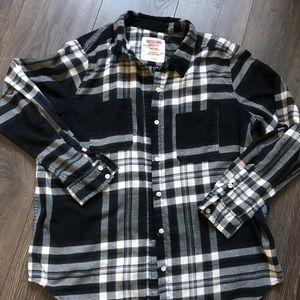 Mossimo black & white plaid shirt